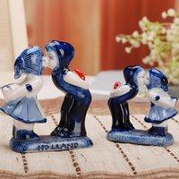 ingrosso figurine del fumetto-Ceramica Creativo Cute Cartoon Tromba Baciare coppia Ornamento Decorazione della casa Artigianato Boy Girl Figurine Accessori regalo di nozze
