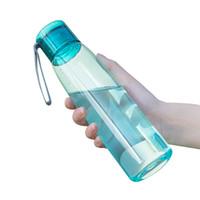 ingrosso gabbia di bottiglia blu bianca-Borraccia da 500 ml in plastica con coperchio Sport Tazza da acqua Bollitore portatile per succhi di frutta Bottiglia da viaggio a tenuta stagna di limone e verdura