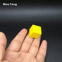 yığın oyunu toptan satış-B188 / 1 adet 2 cm Sarı Renk Ahşap Küp Jenga Blokları Beceri Yığını Yetiştirilen Oyuncaklar Kule Çöküyor Oyunları Çocuklar Hediyeler