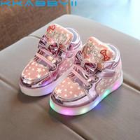 boys çizgi film ayakkabıları toptan satış-LED Işık Ile En Çok Satan Çocuk Ayakkabı Boys Ayakkabı Sonbahar Kış Yeni Karikatür Kız Sneakers Çocuklar Spor Ayakkabı Boyutu 21-30