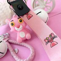 rosa anime großhandel-Autoschlüsselhalter Acryl Glocke Anime Schlüsselanhänger Pink Panther Schild Schlüsselanhänger Glocke Paar Schlüsselbund Tasche Anhänger Zubehör Mädchen Geschenk