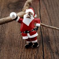 ingrosso campane in metallo cristallo-Luxury Crystal Christmas Brooch Pins Strass bell scarpa stivali pupazzo di neve Albero Sciarpa in metallo Collare Pin Spilla, Una varietà di stili! # 0806