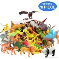 ingrosso giocattoli giocattoli-Figure di animali Set di 78 animali assortiti 32 mini animali della giungla 12 dinosauri 12 uccelli 22 accessori bomboniere giocattoli Playset per
