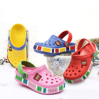 Wholesale new pattern children shoes resale online - Summer Children Cave Shoes Boys Girls Outdoor Beach Slippers Kids Soft Flip Flops Breathable Holes Light Toddler Antiskid Sandals New C7201
