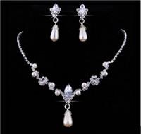 ingrosso perla in vendita-Vendita calda di cristallo Goccia perle Collana placcata argento Orecchini imitazione Set di gioielli da sposa per la sposa Damigelle d'onore Accessori da sposa