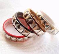 кожаные браслеты браслеты заклёпки оптовых-Кожаный браслет для женщин мужской марки Rivet Punk women Leather Casual Fashion Браслет Ювелирный браслет