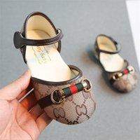 bebé recién nacido sandalias al por mayor-Zapatos de bebé recién nacido 2 colores Primeros caminantes Infantil Niños Moda Niñas Sandalias de niña Zapatos de suela blanda zapatos de diseño AJY725