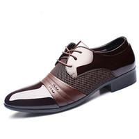 ingrosso pompe a punta di punta-luxury brand classico uomo scarpe a punta scarpe da uomo in pelle verniciata nera scarpe da sposa oxford scarpe formali moda big size