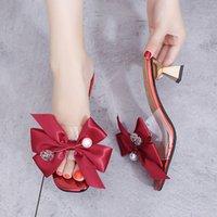 sandales noires élégantes achat en gros de-Design de mode Pvc Talons Hauts Femmes Pantoufles Élégant 2019 Été Tache bowknot Pantoufles De Fête À L'extérieur Des Dames Sandales Rouge Noir