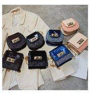 çocuk çantası aksesuarları toptan satış-Çocuklar Çanta Tasarımcısı 2019 Yeni Kız Mini Prenses Coin Çantalar Çocuk Sequins Klasik Yuvarlak Omuz Çantaları Çocuk Kız Aksesua ...