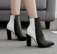 ingrosso caricamenti del sistema neri neri delle donne-2019 Fine con stivali con tacco alto Stivali a punta Nero Bianco Colore misto Belle scarpe da donna nude