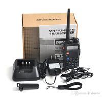 walkie uv5r al por mayor-BaoFeng UV-5R UV5R Walkie Talkie Banda dual 136-174 Mhz 400-520 Mhz Transceptor de radio bidireccional con un auricular sin batería de 1800 mAH (BF-UV5R)