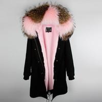 коричневый розовый пиджак оптовых-Марка Maomaokong Коричневый розовый меховой мех енота с капюшоном Розовый мех кролика подкладка черный X-Long парки горячие продажи куртки из меха кролика над коленом
