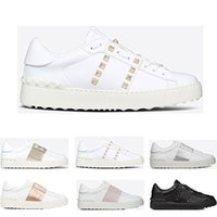 sapatos de esporte de couro branco venda por atacado-Valentino 2019 Nova arrivel Designer de Sapatos de Moda Branco Das Mulheres Dos Homens de Couro Casual Low Sneakers Esportes Tamanho 35-46 Com Caixa