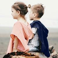 jungen kapuzenschal großhandel-Baby Mädchen Jungen Mit Kapuze Mantel Kinder Einfarbig Schal Schal INS Neue Kinder Quaste Pompon Poncho Kleidung 3 farben