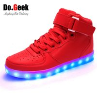 luzes vermelhas altas venda por atacado-DoGeek LED Luz Shoes Red High Top Adult Unisex Light Up Zapatos USB Charger 7 cores Sneakers Lumineux Basket Femme Shoe