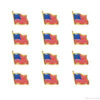 ingrosso piedini americani di bandiera-2019 New fashion Bandiera degli Stati Uniti Pins Pins Piccolo smalto USA Americans Waving Flag Badge per uomo Tie Hat Backpack Pins Jacket