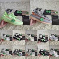 sapatilhas chaveiro venda por atacado-Com meias e chaveiro estoque x Kanye West Newynth Clay GID estático reflexivo homens mulheres tênis de corrida designer de tênis tamanho 36-47
