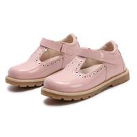 vestidos de niña roja al por mayor-Zapatos para niños Princesa Girls School Shoes Red Pink Black Niños Vestido de fiesta de cuero Zapatos de las niñas pequeñas Bebé Zapatillas de deporte casuales