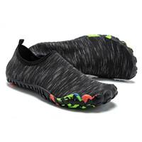 ingrosso pantofole-Scarpe da nuoto uomo donna Scarpe da mare Seaside Beach Pantofole da surf zapatos de hombre Outdoor Light Finger Shoe leggero con cinque dita