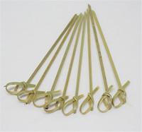 corbata de palo al por mayor-100 Unids / bolsa Desechable Bamboo Tie Pinchos Anudados Extremos Torcidos Cóctel Comida Frutas Selecciones Tenedor Sticks Buffet Cupcake Toppers