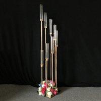 masa için vazolar toptan satış-Çiçekler Vazolar 8 kafaları Mumluklar arka planında Yol Kurşun sahne Masa Merkezinde Altın Metal Düğün Şamdan Için Ayağı Şamdan Standı