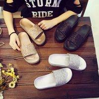 su geçirmez sandalet kadın toptan satış-Yeni Moda Kadınlar Pullu Orta Topuk Terlik Rahat Açık Parti Sandalet Işık Su Geçirmez Plaj Tatil Sandalet