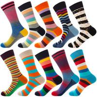 frauen neuheit socken großhandel-Streifen Bunte Designer Cotton Happy Socks für Damen Outdoor Sports Mens Dress Socken 10 Styles Breath Neuheit kühle Mid Strümpfe M879F