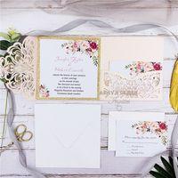 convites livres do transporte venda por atacado-Convite romântico do casamento Blush Rosa Spring Flower Glittery Laser Cut bolso Kits, gratuito Enviado por UPS