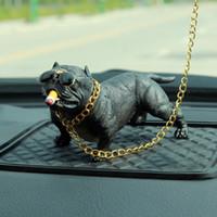automobil-anhänger großhandel-Bully Pitbull Simulierte Auto Hund Puppen Ornamente Anhänger Automobile Innendekoration Ornamente Spielzeug Geschenk Autozubehör 002