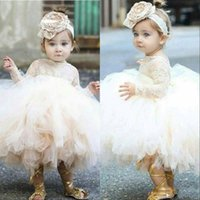 yürümeye başlayan dantel kollu elbise toptan satış-Vintage Çiçek Kız Elbise Fildişi Bebek Bebek Yürüyor Vaftiz Uzun Kollu Dantel Tutu Abiye doğum günü partisi Elbise ile Giysiler