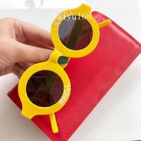 ingrosso telai di occhiali gialli-Occhiali da sole rotondi con montatura gialla Occhiali da sole unisex Fashion Designer Occhiali da sole Occhiali da sole Holiday Eyewear tutti i colori Nuovo in scatola
