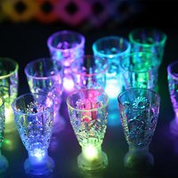 ingrosso illuminato drinkware-LED Mini luminoso Flash Light Colorful KTV Concerto Bar speciale Drinkware lampeggiante bevande tazza del vino decorativo tazza XD23437