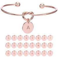 bracelets de demoiselles d'honneur achat en gros de-26 Lettre Or Argent Couleur Noeud Coeur Bracelet Bracelet Fille De Mode Bijoux En Alliage Rond Pendentif Bracelets pour Femmes cadeau Demoiselle D'honneur cadeau