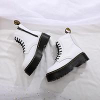 venda de botas de tornozelo couro mens venda por atacado-Venda-Men botas Martens Inverno Couro Hot sapatos quentes Mens Motorcycle Botim Oxfords Doc Martins Fur Homens