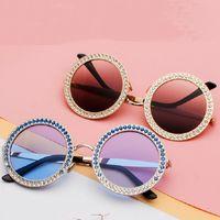 tons redondos para homens venda por atacado-MINCL / 2018 Luxo Diamante Redonda Óculos De Sol Das Mulheres Designer De Marca Do Vintage Shades Rhinestone Óculos De Sol para Homens FML