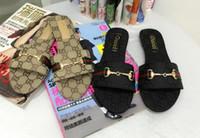 kadın tanga sandaletler toptan satış-Hot2019 sandalet Moda ggBrand Ünlü Tanga Çevirme Kadın Yaz ayakkabı Plaj sandalet deri