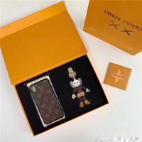 Wholesale boys phone cases for sale – best 2019 new Iphone X X XR XS Max p hard phone case top designer key ring pendator comes box