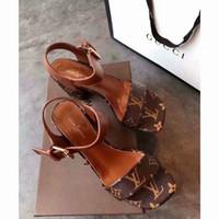 ingrosso nuovi sandali alla moda-I sandali nuovi di modo di estate 19ss per le donne perfezionano la qualità ed il disegno originale alla moda e comodo squisito