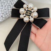 Wholesale brooch decorations resale online - Designer Brooches Crystal Rhinestone Famous Letter Brooch Pin Corsage Luxury Brooches Women Fashion Jewelry Costume Decoration New Arrival