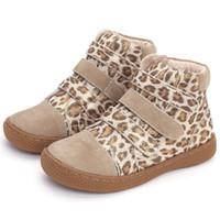 yüksek ayak bileği erkek ayakkabıları toptan satış-Çocuklar leopar ayak bileği çizmeler çocuk Hakiki Deri yalınayak ayakkabı yüksek top toddler kızlar ve erkekler için ayakkabı bahar sonbahar 25-35