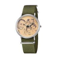 тканевые наручные часы оптовых-Нейлоновая Ткань Ремешок Для Часов Ремешок Металлические Часы Семейное Фото Настроить Army Green Кварцевый Механизм Мужчины Женщины Наручные Часы Лучшие Подарки
