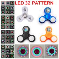 juguete superior iluminado al por mayor-LED de la persona agitada Spinners 32 luz de flash Chrome con interruptor electrochapa la mano de cristal Spinner Peonza Juguetes metálico color Torqbar Handspinner