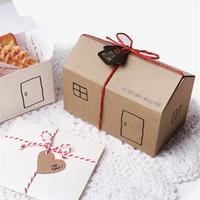 konut paketi toptan satış-LBSISI Yaşam 50Pcs / Lot Noel arifesi Katlanır Kutu Küçük Ev Packaging Barış Hediye Kutuları Karton 11.4 * 6.5 * 6cm