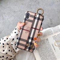 cover iphone frauen großhandel-Geprägte xr Leder-Telefonkasten für Apple iPhone XS Max / XR 8/7/6 Plus mit Armband-Abdeckung Auto für Frauen