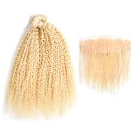 lockiges menschliches haar 613 groihandel-Peruanische Jungfrau Kiny Curly 613 Blonde Bündel Haar mit Spitze Frontal 13 * 4 Zoll 2 Stück Echthaar mit Pre Zupfverschluss Frontal