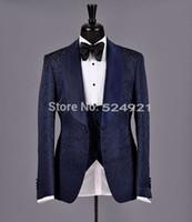 ingrosso cravatta di maglia blu satinata-Nuovo arrivo Groomsmen scialle in raso risvolto smoking dello sposo Navy Blue vestiti degli uomini Best Wedding Man Blazer (Jacket + Pants + Tie + Vest)