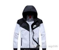 modèle hot men black achat en gros de-Automne-chaud! Manteau de veste pour homme printemps / automne mince, Explosion de veste coupe-vent sport et modèles noirs Couple de veste Windrunner