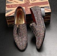 venta de vestidos de fiesta nuevos al por mayor-Nueva venta caliente de los hombres Shinny Glitter zapatos planos Homecoming zapatos de lujo de los hombres holgazanes Slip On Prom Party boda boda vestido de zapatos