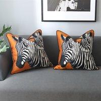 tecido de zebra venda por atacado-Luxo Moderno Laranja Zebra Travesseiros Sofá Cadeira Tecido de Veludo Pipping jogar Capa de Almofada Praça Decorativa Casa Fronha 45x45 cm